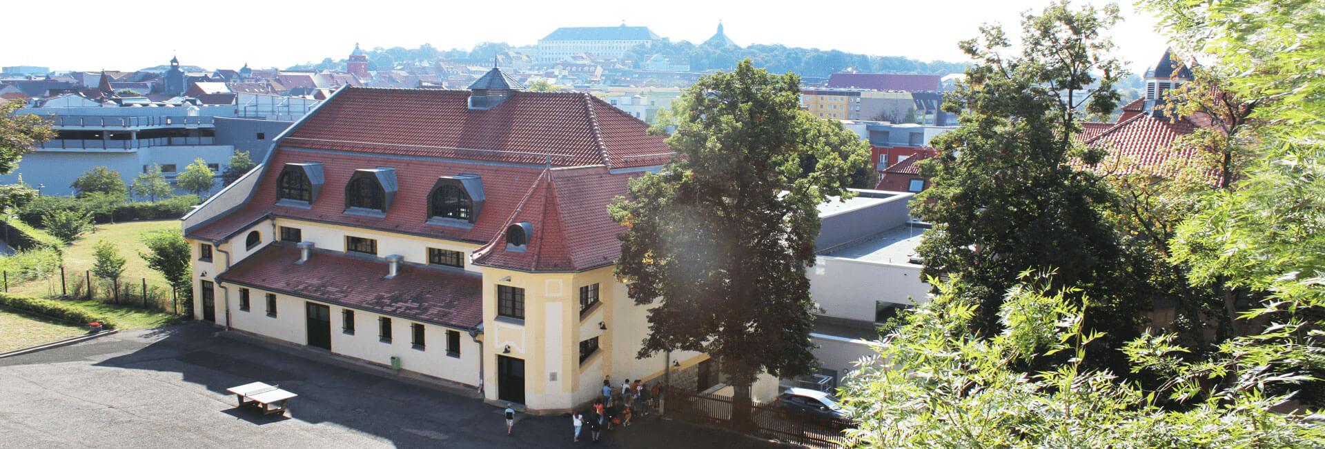 http://schach.arnoldi-gym.de/wp-content/uploads/2016/11/schule-header-arnoldi3.jpg