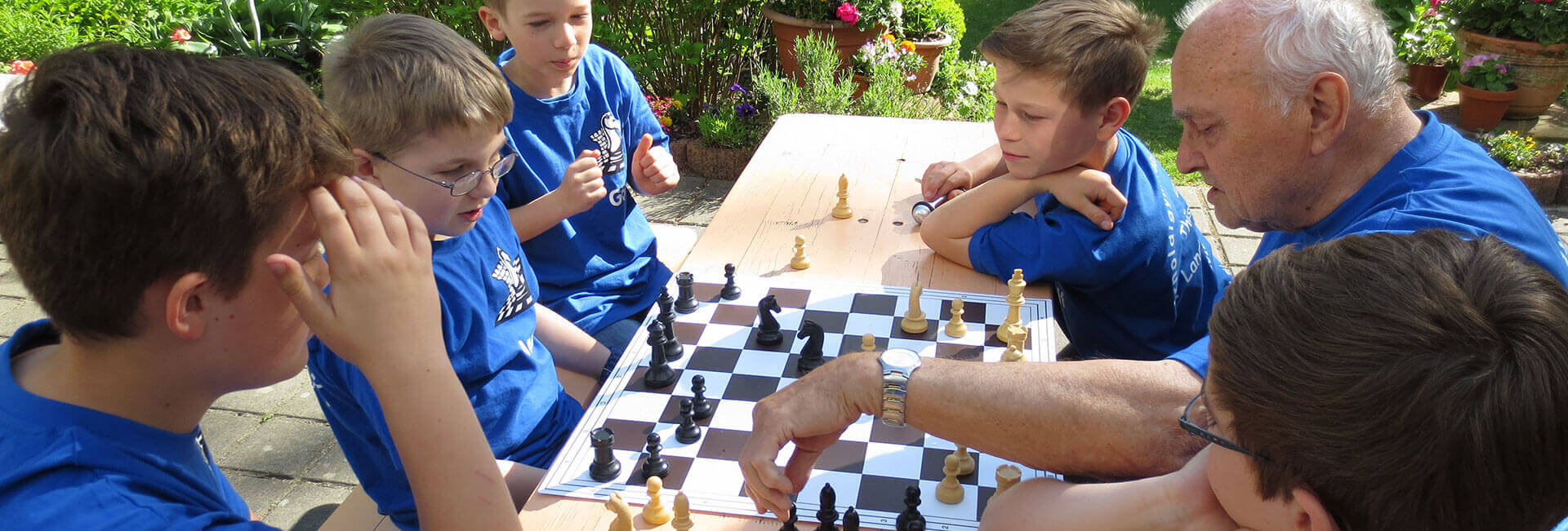 http://schach.arnoldi-gym.de/wp-content/uploads/2016/12/schach-training-header-arnoldi.jpg